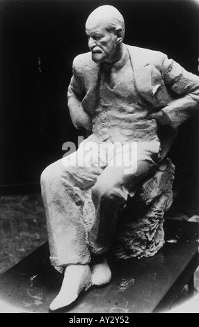 Sigmund Freud Statue 18 - Stock Photo