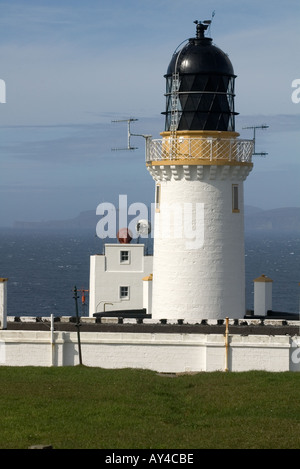 dh Dunnet Head Lighthouse DUNNET HEAD CAITHNESS White washed wall light tower beacon building overlooking Pentland Firth