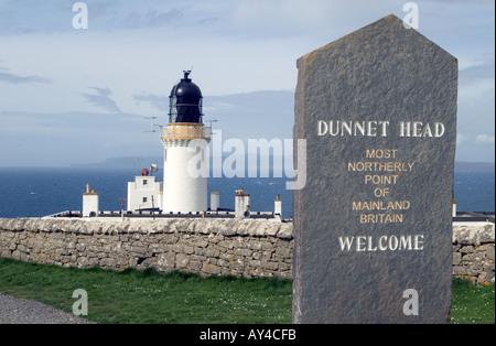 dh Dunnet Head Lighthouse DUNNET HEAD CAITHNESS Stone signpost light tower beacon building over Pentland Firth scotland