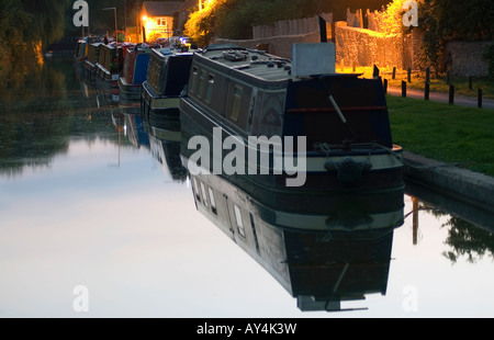 Doug Blane Narrowboats moored at Thrup on the Oxford canal - Stock Photo