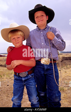 MR 607 608 Kody Gregory and Kullen Wooton are two tough 4-H hombres in Capitan, New Mexico. - Stock Photo