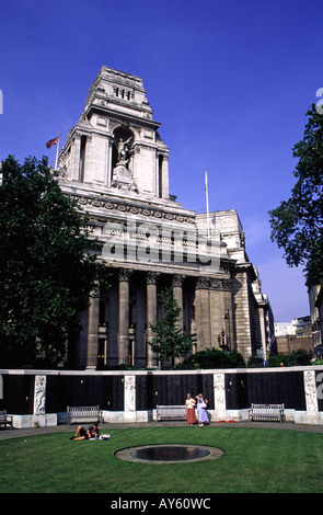 The Merchant Navy War Memorial in front of Trinity House Port of London Authority building in London UK - Stock Photo