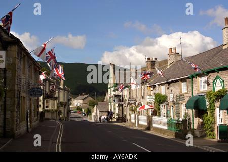 UK Peak District Derbyshire Castleton Cross Street - Stock Photo