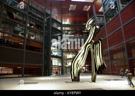 sculpture in the courtyard of the Museo Nacional Centro de Arte Reina Sofía - Stock Photo