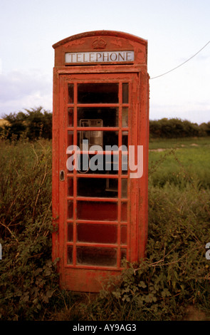 British Telecom public telephone box in a rural location, Hoo, Suffolk. UK. - Stock Photo
