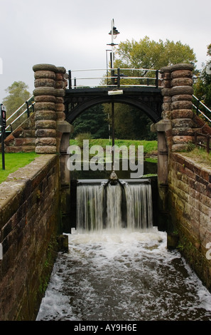 Sluice at Vale Royal Locks on the River Weaver Cheshire - Stock Photo