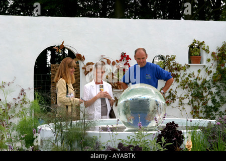 UK Cheshire Knutsford Tatton Hall RHS Flower Show Tim and Kate Rayners Oasis Al Fresco with Thelma Barlow - Stock Photo