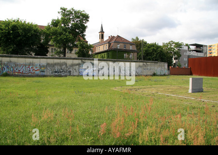 Memorial to those who died trying to escape East Germany by crossing the Berlin Wall Berlin. - Stock Photo