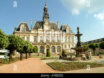 Limoges town hall limoges haute vienne limousin france for Appart hotel vienne france