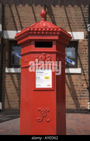 GR 'Post Box' Gloucester Gloucestershire England - Stock Photo