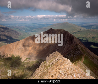 View along Crib Goch with Moel Siabod in the background. Snowdonia National Park. Wales - Stock Photo