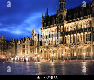 BE - BRUXELLES: Grand Place by night - Stock Photo