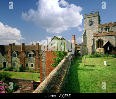 GB - OXFORDSHIRE: St Marys Church and Almshouses at Ewelme - Stock Photo