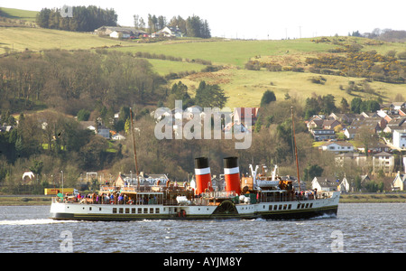 'THE WAVERLEY',THE LAST SEA GOING PADDLE STEAMER IN THE WORLD, SAILS DOWN THE RIVER CLYDE,SCOTLAND. - Stock Photo
