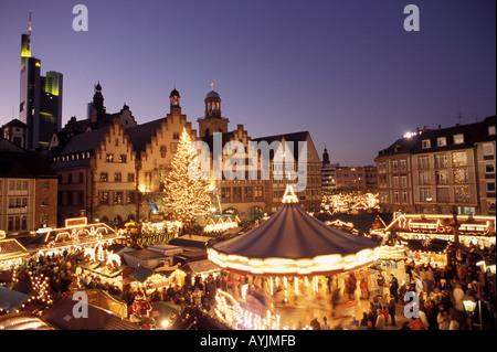 Weihnachtsmarkt auf dem Frankfurter Roemerberg - Stock Photo
