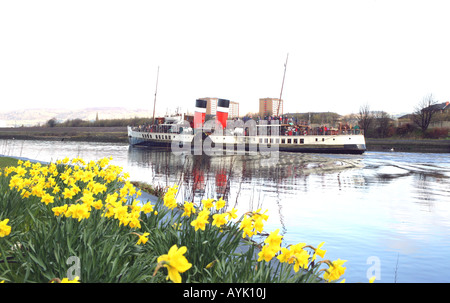 'THE WAVERLEY',THE LAST SEA GOING PADDLE STEAMER IN THE WORLD SAILS DOWN THE RIVER CLYDE,SCOTLAND,UK. - Stock Photo