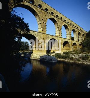 Pont du Gard die groesste erhaltene Aquaeduktbruecke der Antike Frankreich - Stock Photo