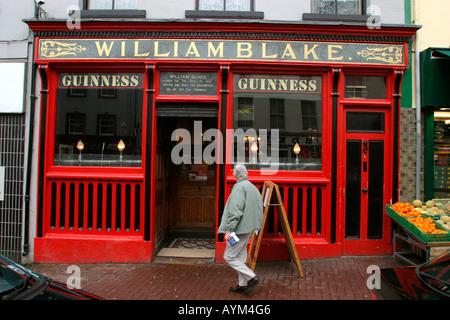 County Fermanagh Enniskillen High Street William Blakes Bar Window - Stock Photo