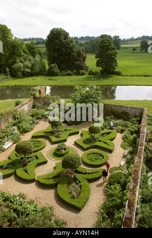 UK Oxfordshire Broughton Castle knot garden from the roof - Stock Photo