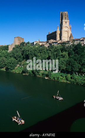 GABARRE BOATS ON TARN RIVER & SAINTE-CECILE GOTHIC CATHEDRAL 13th Century ALBI MIDI-PYRENEES FRANCE - Stock Photo
