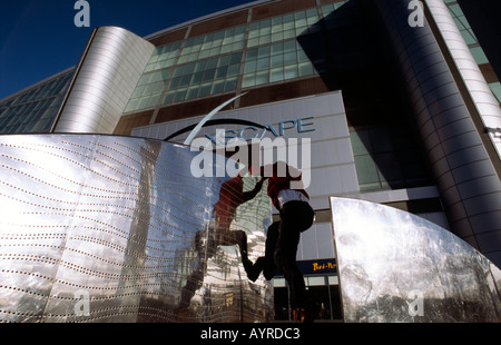 PICTURE CREDIT DOUG BLANE Doug Blane practicing Le Parkour climbing freerunning outside the Xscape snow dome Central - Stock Photo