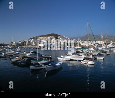 Hafen, Boote, Stadtpanorama, Los Cristianos, Teneriffa, Kanarische Inseln - Stock Photo