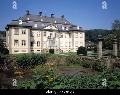 Wasserschloss Koertlinghausen in Ruethen-Kallenhardt, Naturpark Arnsberger Wald, Sauerland, Nordrhein-Westfalen - Stock Photo