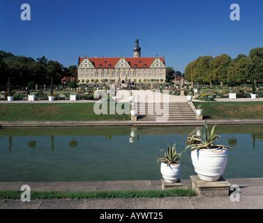 Renaissanceschloss und Schlosspark, Treppe zum Schlossgarten, Blumenkuebel, Weikersheim, Tauber, Romantische Strasse, - Stock Photo