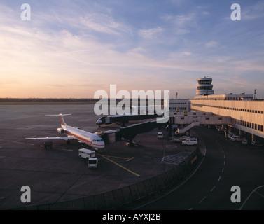 D-Duesseldorf, Rhine, North Rhine-Westphalia, airport, control tower, air traffic control, aeroplane during clearance - Stock Photo
