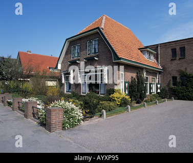 Einfamilienhaus mit Vorgarten, Rijnsburg, Suedholland, Niederlande