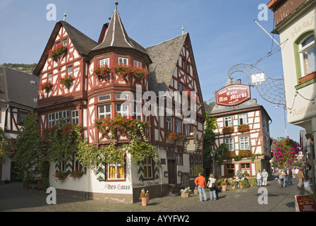 Framework architecture in the German Middle-Rhine valley: an old wine house in Bacharach - Stock Photo