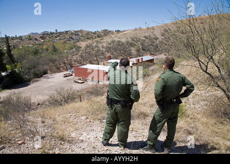 US Border Patrol Agents Look for Undocumented Immigrants - Stock Photo