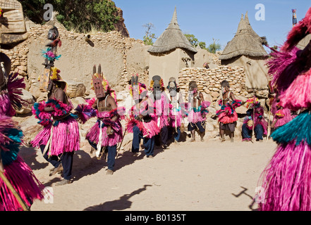 Mali, Dogon Country, Tereli. A mask dance at the Dogon village of Tereli. - Stock Photo