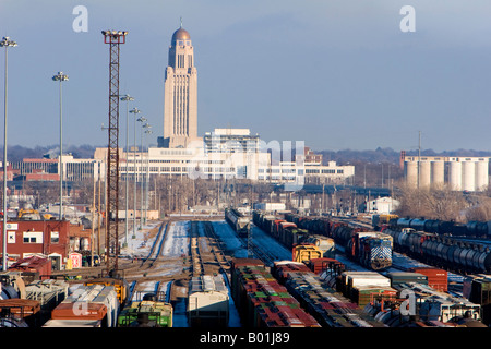 The rail yard and Nebraska State capitol Building in Lincoln, Nebraska, USA. - Stock Photo