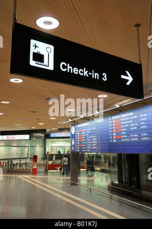 Airline Check-In 3, Zurich Kloten Airport (ZRH/LSZH) Switzerland CH - Stock Photo