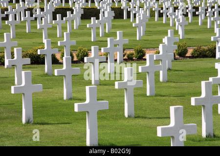 White Crosses at the 'American Cemetery' Madingley Cambridge - Stock Photo