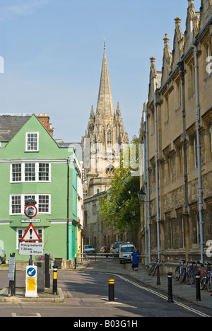 Oxford, England. Looking along Oriel Street from Oriel Square towards the University Church of St Mary the Virgin - Stock Photo