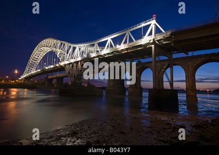 The Runcorn and Widnes Transporter Bridge Over the River Mersey, Runcorn, Cheshire, England, UK - Stock Photo