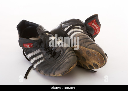 how to clean muddy soccer boots