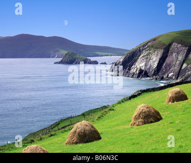 IE - CO.KERRY: Slea Head on the Dingle Peninsula (Ring of Kerry) - Stock Photo