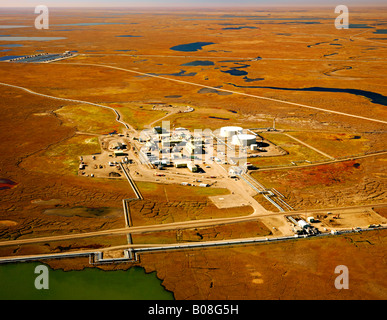 The oil industry on the North Slope of Alaska, and the Trans Alaska Oil Pipeline starting at mile 0, 800 miles to - Stock Photo