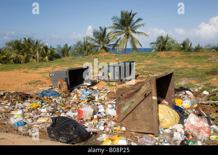 Pollution, litter, illegal garbage dumping, Isla Margarita, Margarita Island, Caribbean, Venezuela, South America - Stock Photo