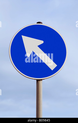 Traffic sign with an arrow pointing up and to the left, rise, rising, boom, ascent, northwest - Stock Photo