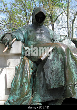 BUDAPEST, HUNGARY. Sculpture of the Hungarian chronicler to King Bela, 'Anonymous', at Vajhadunyad Castle in the - Stock Photo