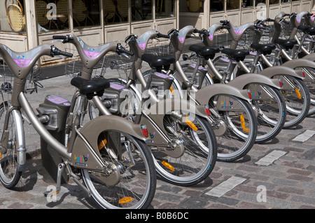 Paris Vélib', or 'freedom bike' scheme - Stock Photo