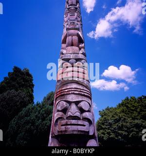 Kwakwaka'wakw (Kwakiutl) Totem Pole, Kitsilano, Vancouver, BC, British Columbia, Canada - Hadden Park at Maritime - Stock Photo