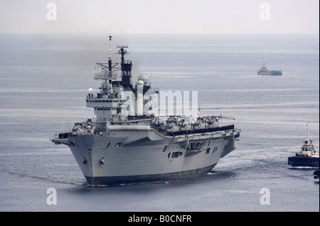 The Royal Navy aircraft carrier HMS Illustrious - Stock Photo