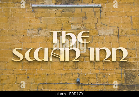 Sign for THE SWAN INN public house in Moreton in Marsh Cotswolds Gloucestershire England UK EU - Stock Photo