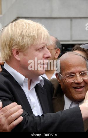 Mayor of London Boris Johnson being congratulated by Indian men at 2008 Vaisakhi Sikh New Year Festival in Trafalgar - Stock Photo