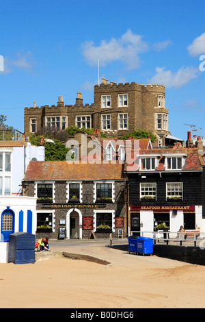 Broadstairs with Charles Dickens, 'Bleak House' on the cliff. - Stock Photo